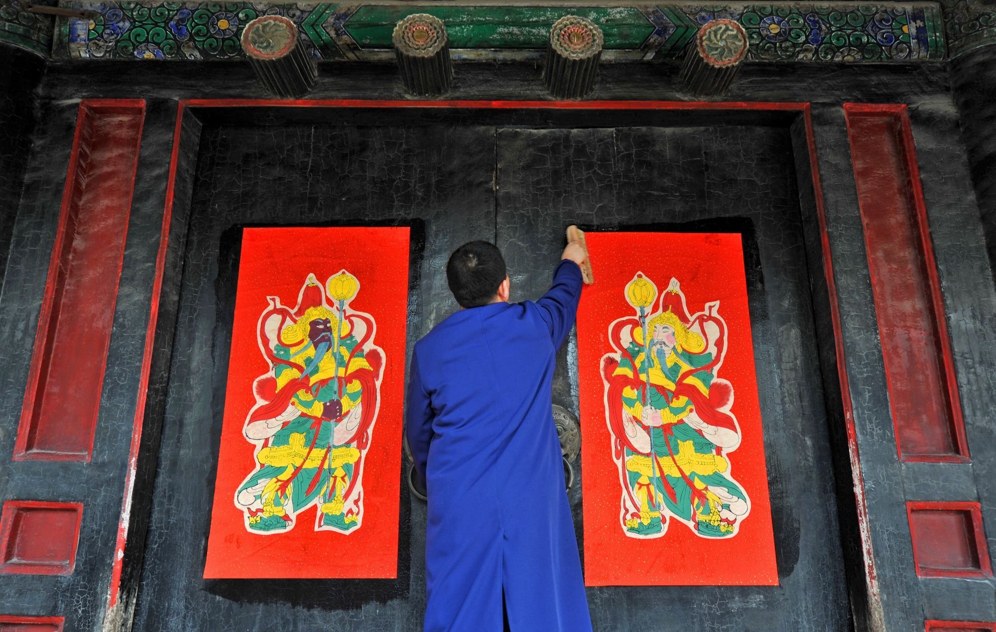 East China Prepares Door Gods Scrolls For Festive Preparation Before
