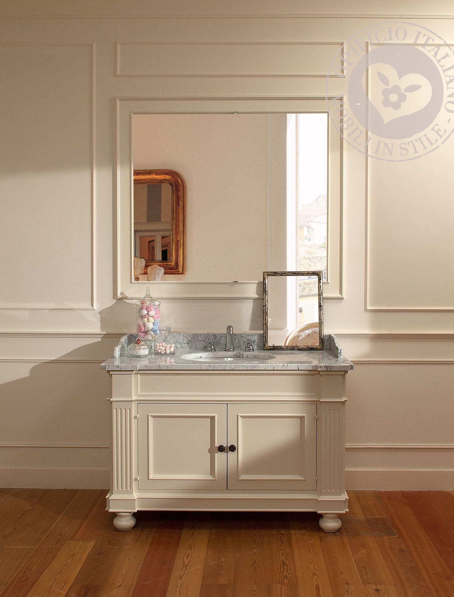 Mobile bagno realizzato artigianalmente, laccato a mano con colori ...