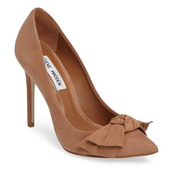 Women's Steve Madden Token Pointy Toe Pump (360 BRL) ❤ liked on Polyvore featuring shoes, pumps, camel nubuck leather, steve madden pumps, stiletto shoes, steve madden shoes, pointed toe shoes and bow pumps