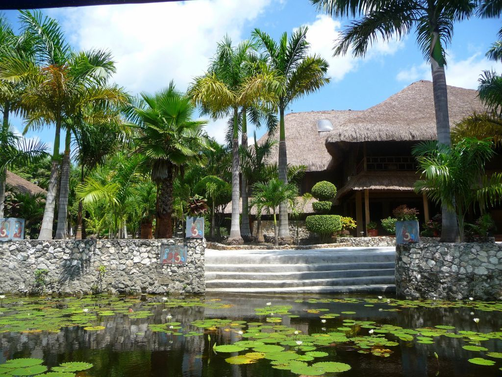 This Jungle Lodge Is Located In The Orange Walk District Of Northern Belize On The Shore Of The New River Lagoon Birdwatching Tour Belize Mayan Ruins