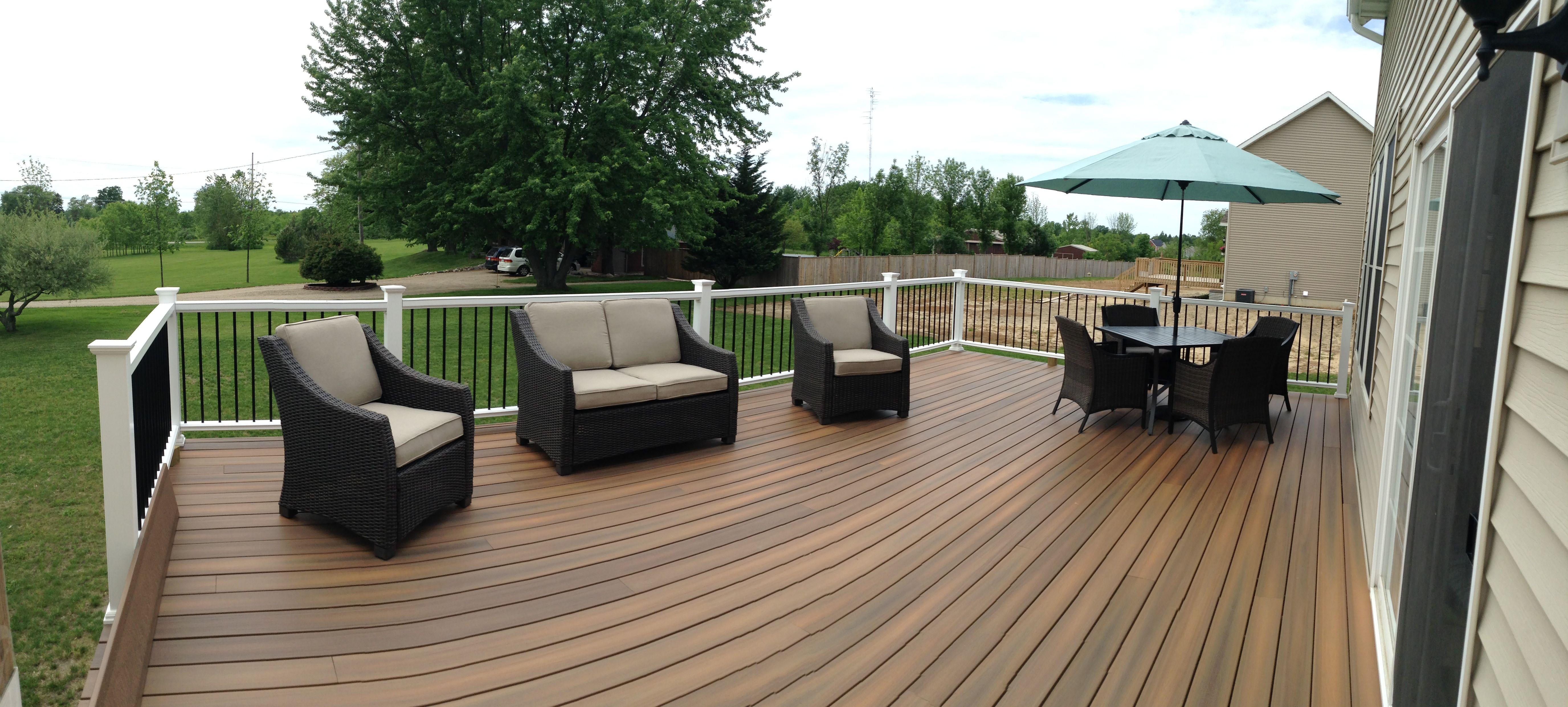 Fiberon horizon ipe deck i love my deck decks for Horizon composite decking