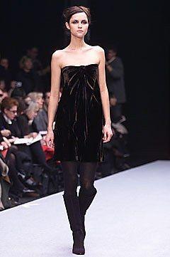 Alberta Ferretti Fall 2001 Ready-to-Wear Collection Photos - Vogue
