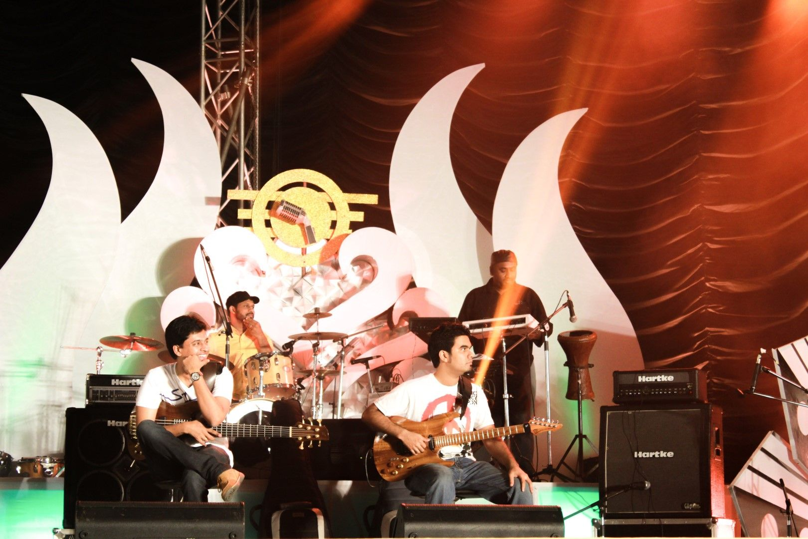 Aalaap Raju & his percussion group [Rahlaap]