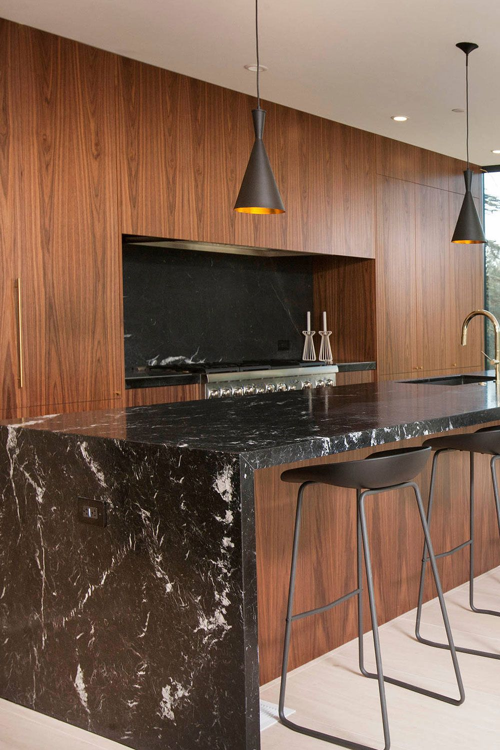 50+ Black Countertop Backsplash Ideas (Tile Designs, Tips ... on Backsplash Ideas For Black Countertops  id=68323