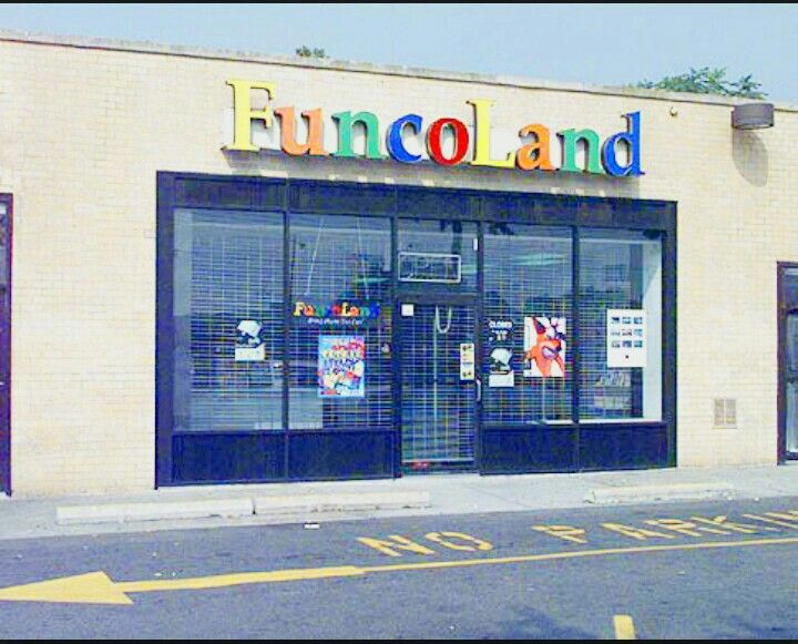 Funcoland store front entrance/sign in the early 90\u0027s, before it