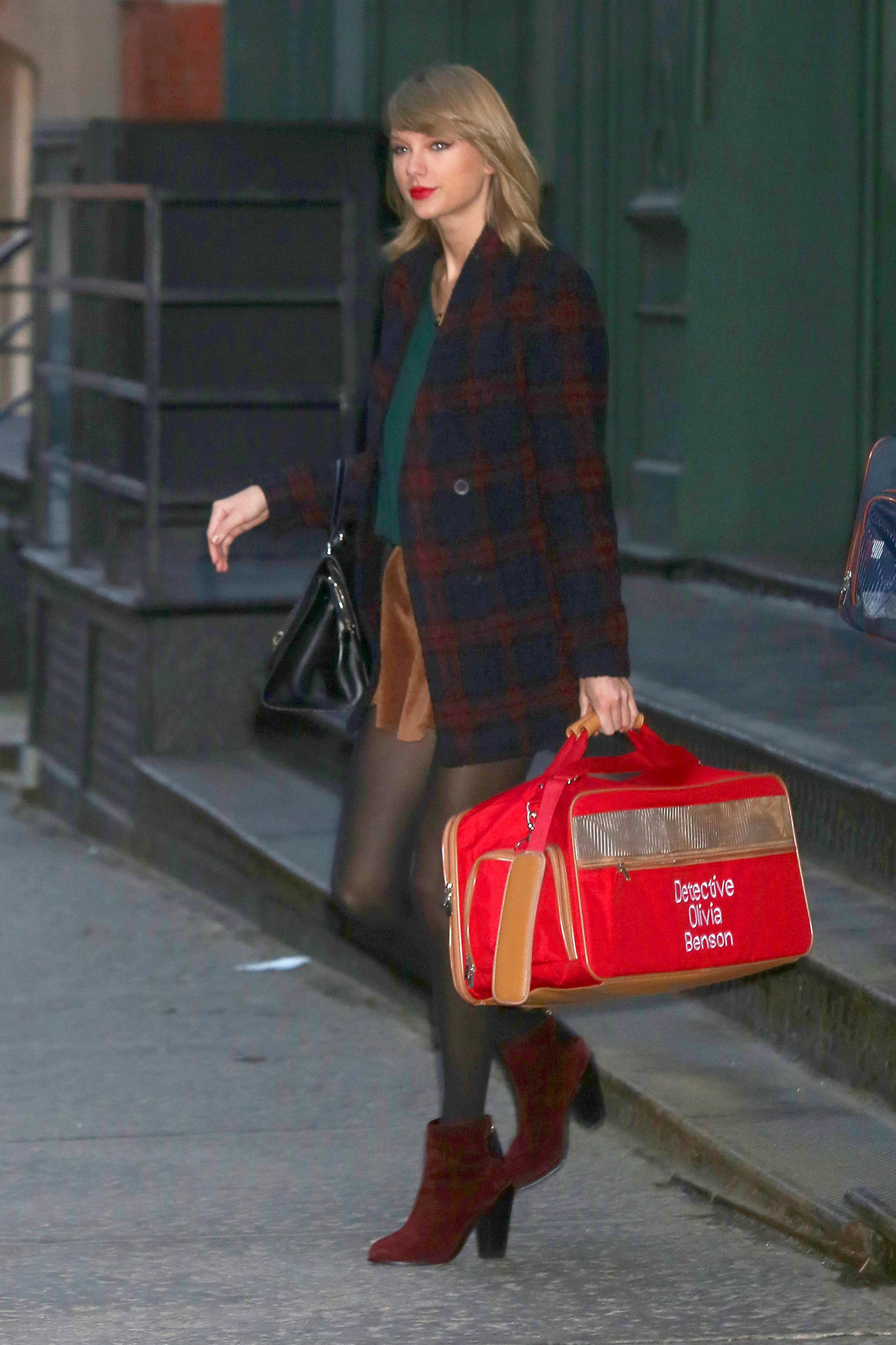 Leaving her apartment | New York | January 19 2015 ...