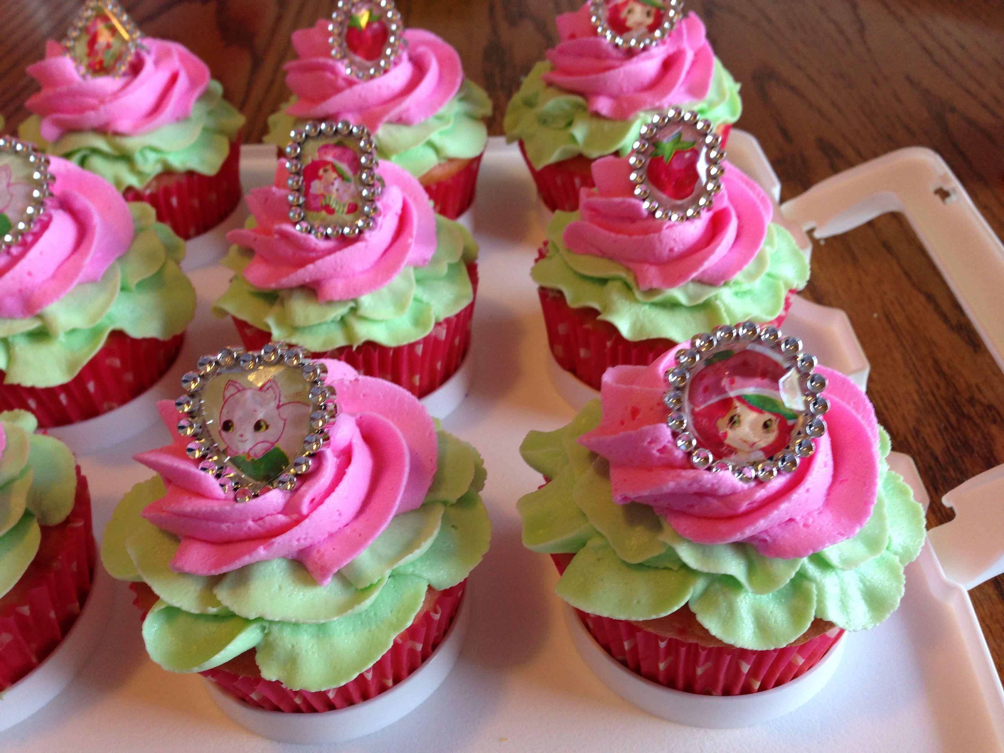 Strawberry Shortcake theme cupcakes | Stuff to Try | Pinterest