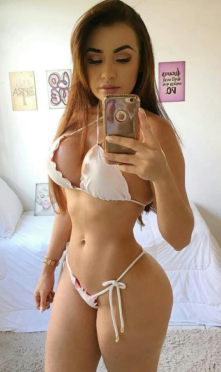 2e0d5280b16b6 Bella Araujo Sexy Bikini, Thong Bikini, Perto, Almost Perfect, Follow  Follow,