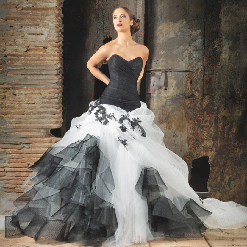 34 Gorgeous Black And White Corset Wedding Dresses Ideas Colored