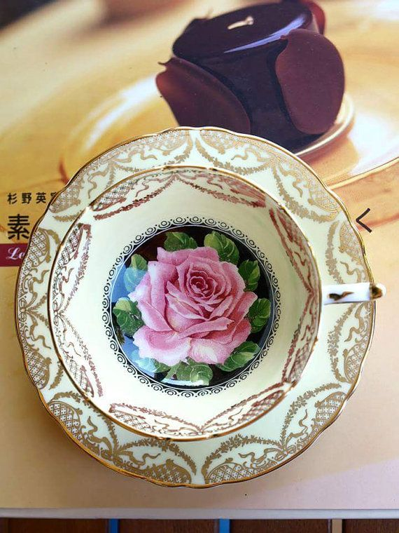 Beautiful paragon rose tea cup  Exellent condition.