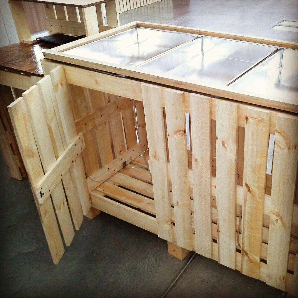 Barra para ensaladas practica y funcional stand colombiamoda mobiliario palets pallets - Mobiliario con palets ...