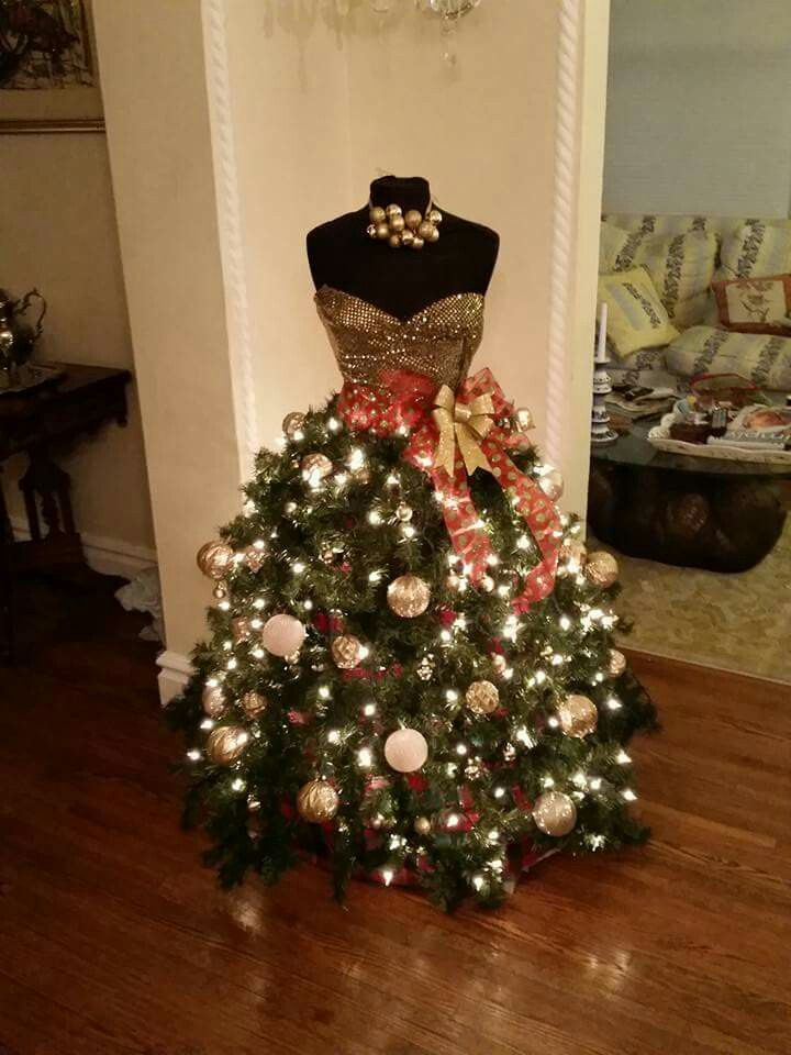This Is What A Formal Christmas Tree Looks Like Dress Form Christmas Tree Mannequin Christmas Tree Christmas Tree Dress