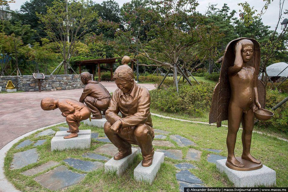 В Корее другие вкусовые предпочтения, другие этические нормы, и уж совершенно точно — иное отношение к туалетам.  |  #южнаякорея  #парк  #парккакашек  #интересное