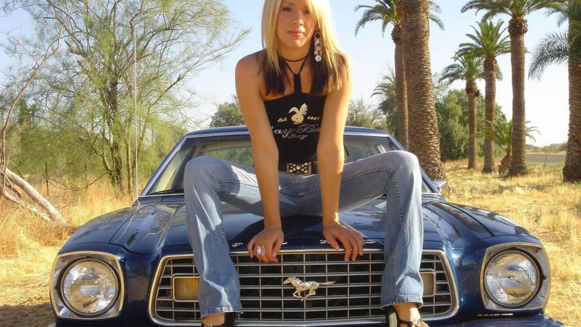 Http Goodolddaysforum Com Retro Pin Up Girls Pinterest Car
