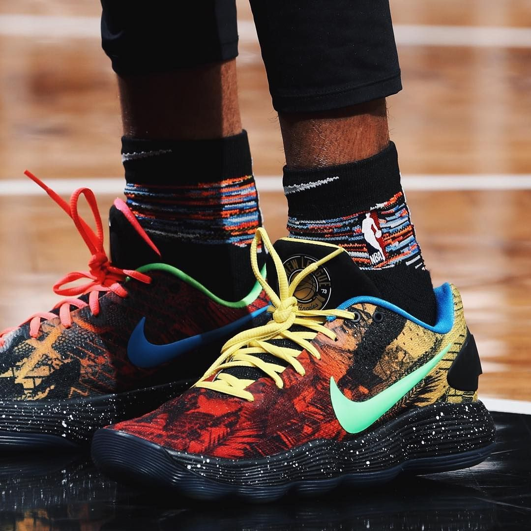 "294f5f06f88c  Dloading wearing the ""LA"" Nike Hyperdunk Low and PG 2.5 against the  Clippers. The Coogi socks though."