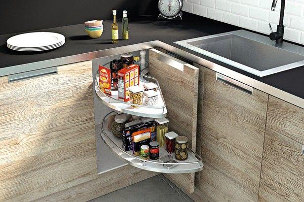 Optimisez L Espace De Cuisine Avec Des Rangements Adaptes Rangement Space D Angle Avec 2 Plateaux Fond Plein Antidera Rangement Cuisine Rangement Caisson