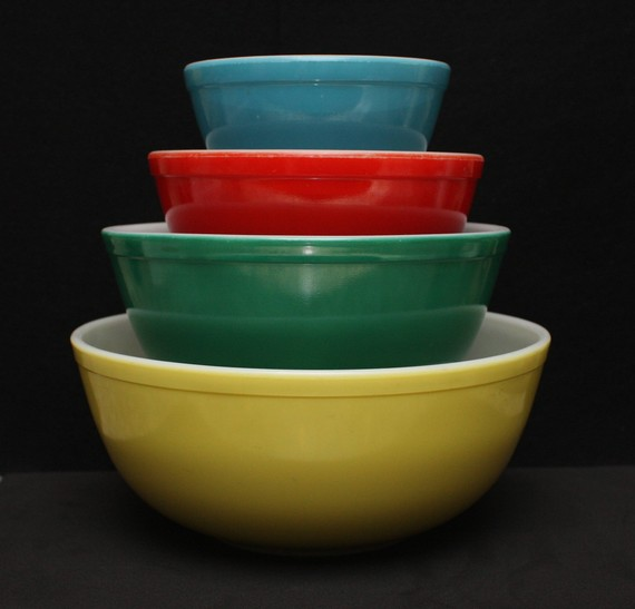 Vintage Pyrex Primary Colors Mixing Bowl Set | memory | Pinterest ...