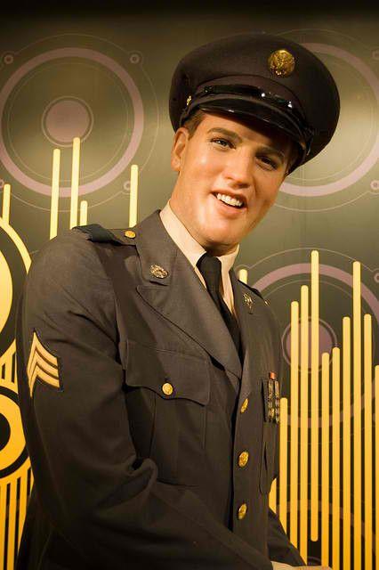 Elvis Presley - Madame Tussauds Wax Museum Photo (28773704) - Fanpop ...426 x 640 | 40.1KB | www.fanpop.com