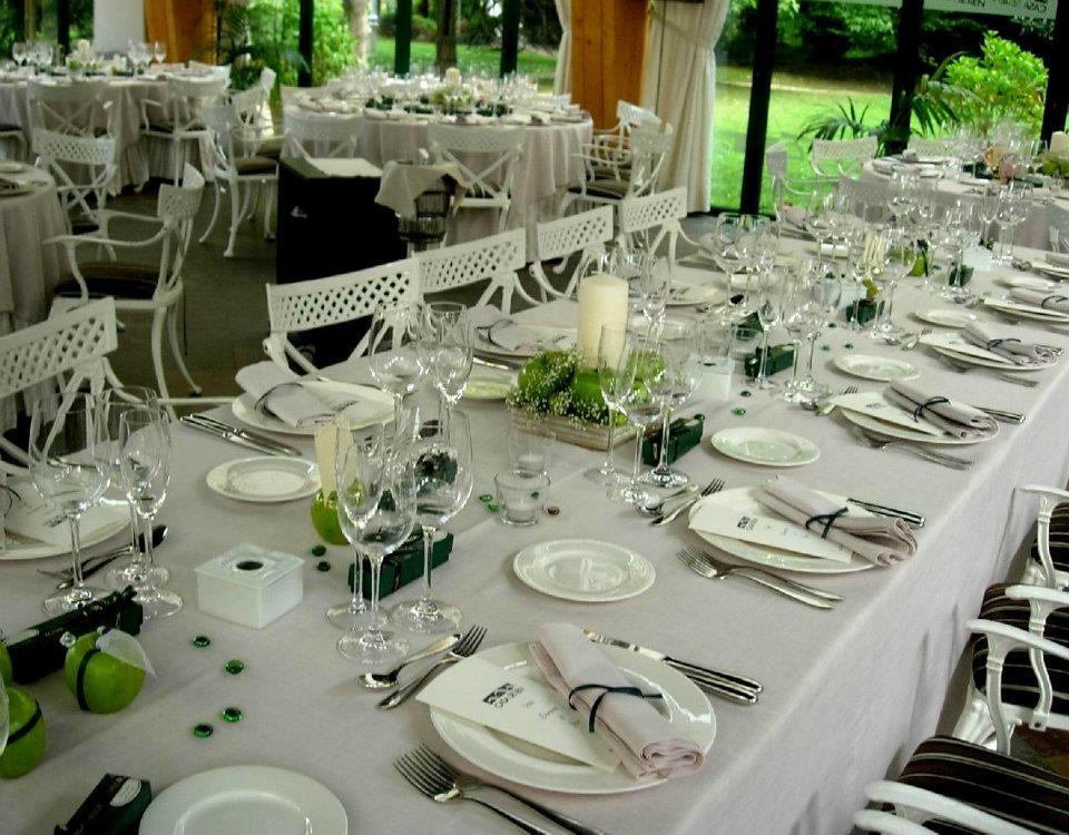 Ideas para decorar una mesa de boda deco restaurante for Ideas para decorar una boda
