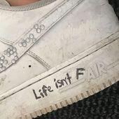 Misfashioned Sneakers auf Instagram: Das Leben ist nicht fair#fashionaccessories #fashioninfluencer #ootdfashion #fashionwanita #fashionmagazine,#fashionaccessories #fashioninfluencer #instagram #leben #misfashioned #nicht #sneakers #grungeaesthetic
