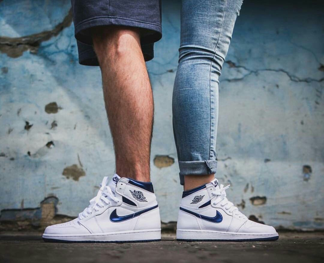 63bcefd63701 Jordan 1 couple