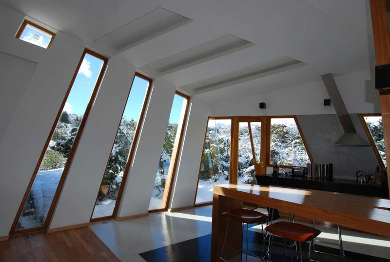 unique contemporary windows all the way to the floor - Interior Design Windows