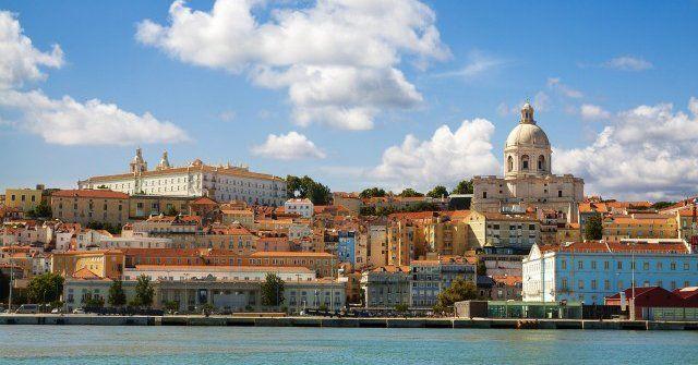 #Dica valiosa: como economizar viajando de ônibus e trem em #Portugal!   http://bit.ly/2chEDZo  http://bit.ly/2cqeowT