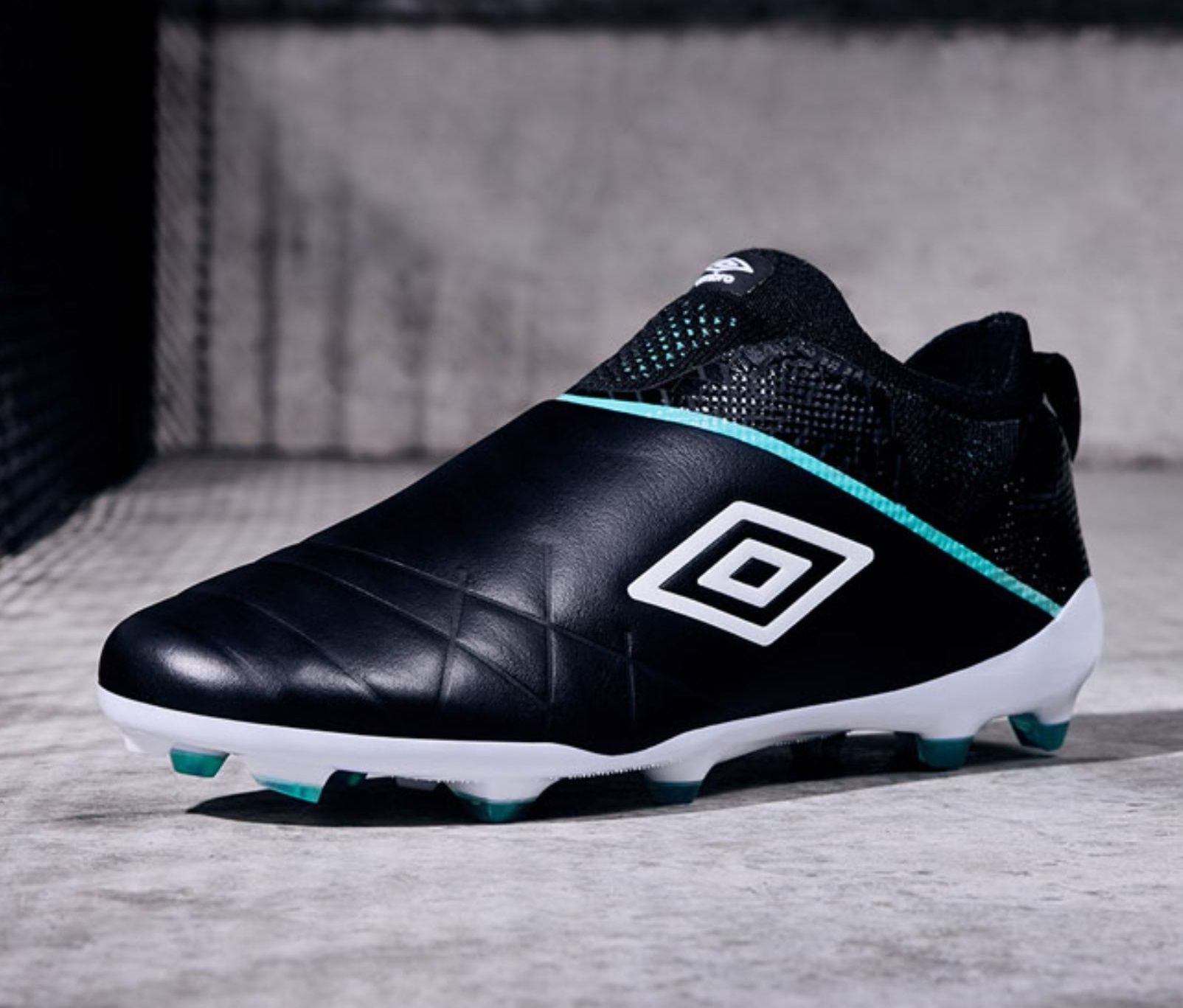 Limited Edition Umbro Medusae 3 Elite Soccer Boots Football Boots Soccer Shoes