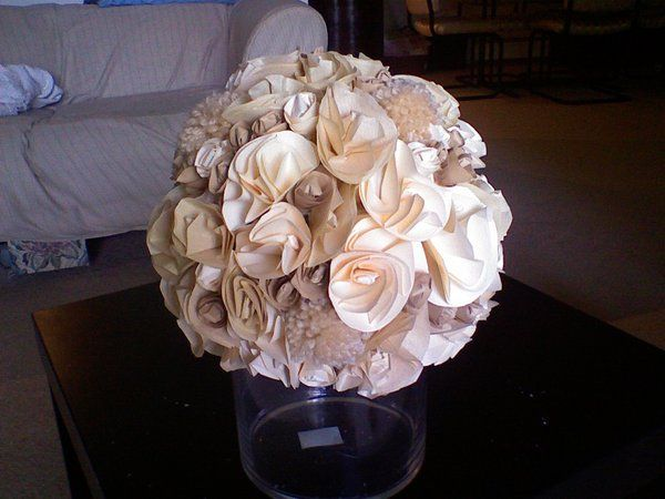 how to make cute paper flowers and yarn pom poms