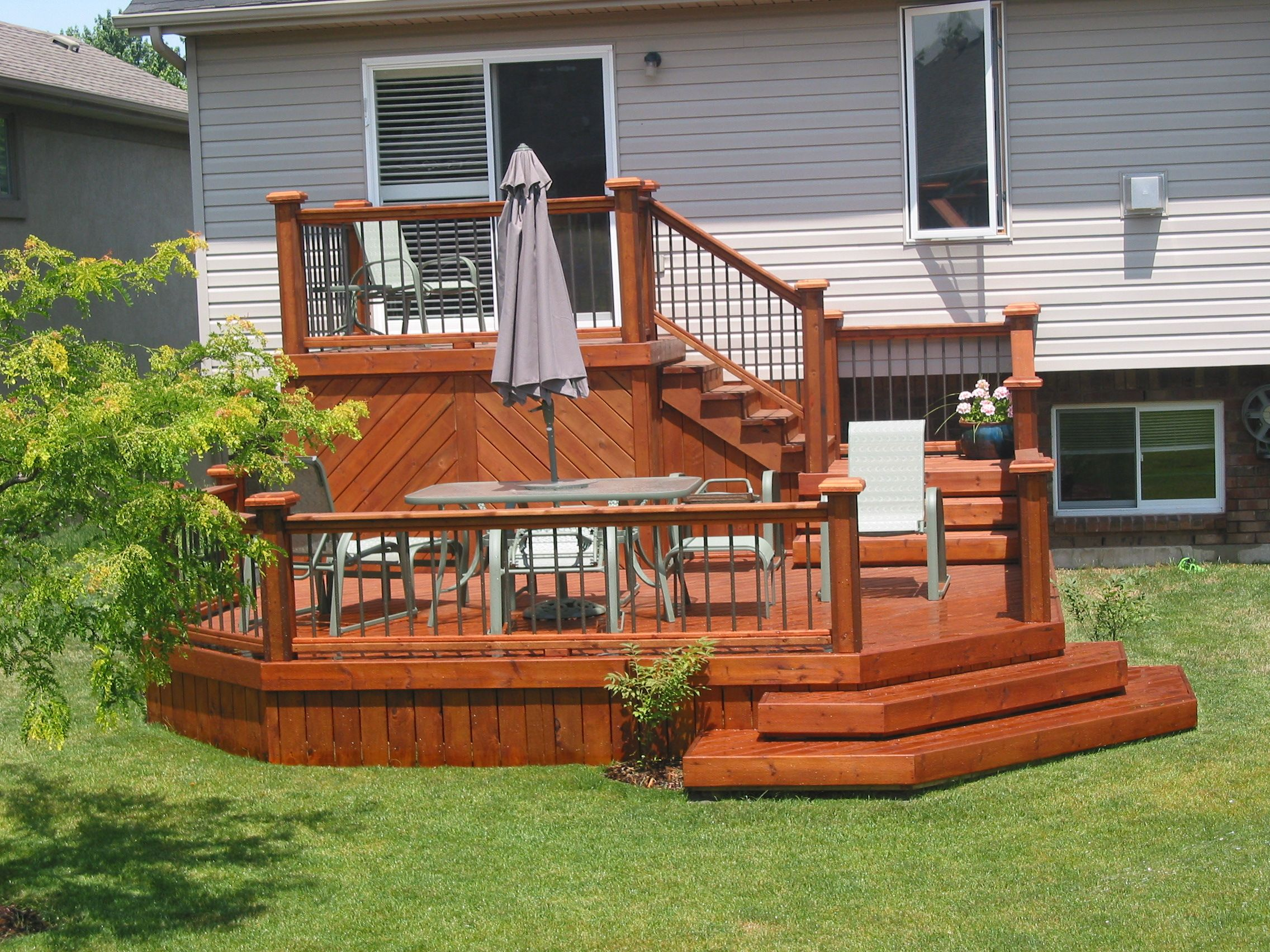 This 2 tiered deck is great for entertaining or just ...