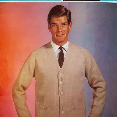 Men's cardigan knitting pattern - 1960s - Sirdar 2332 ...