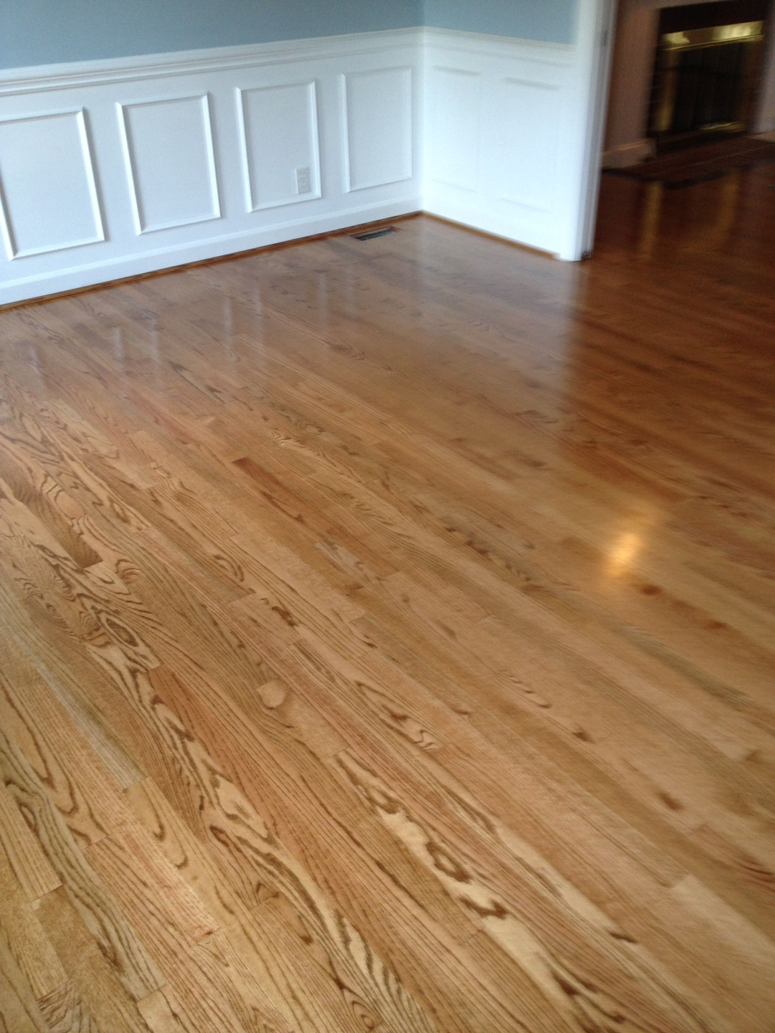 New Select And Better 2 1 4 Oak Flooring Finished On Site With 1 Coat Stain 2 Coats Semi Gloss Clear Oil And 1 Coat Semi Flooring Floor Finishes Oak Floors