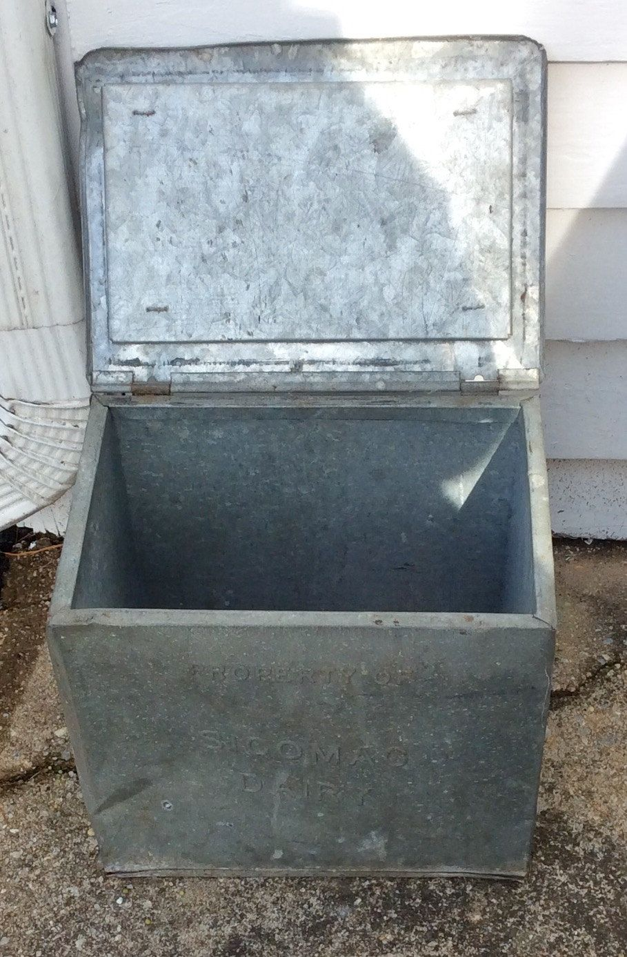 Vintage Galvanized Metal Fence Top Finial Fence Post: Vintage Sicomac Dairy Galvanized Metal Lidded Outdoor Milk