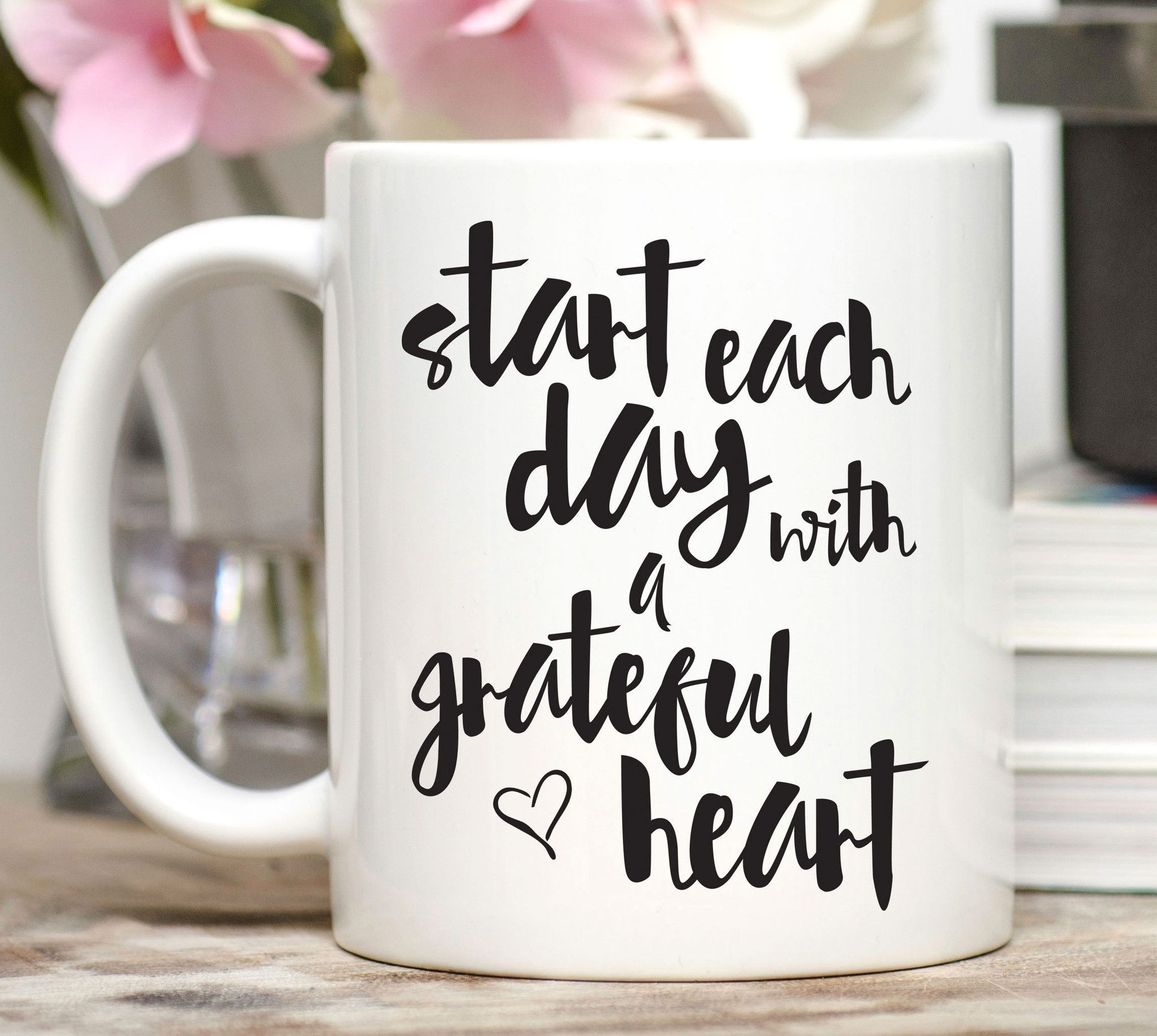 Start each day with a grateful heart. Science now shows that cultivating gratitude can improve your relationships, your health and even your quality of sleep! This mug will remind you to get in the mi