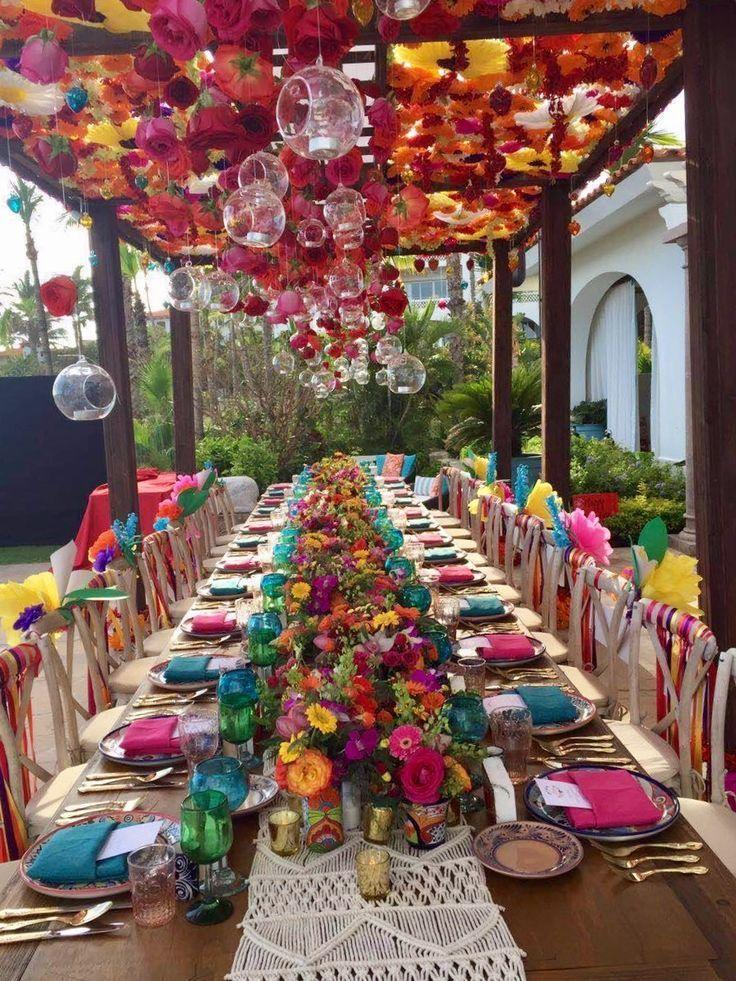 Mexikanische Fiesta Party Tablescape. Schau dir diese Blumen an !! Stuhl-Ausläu...