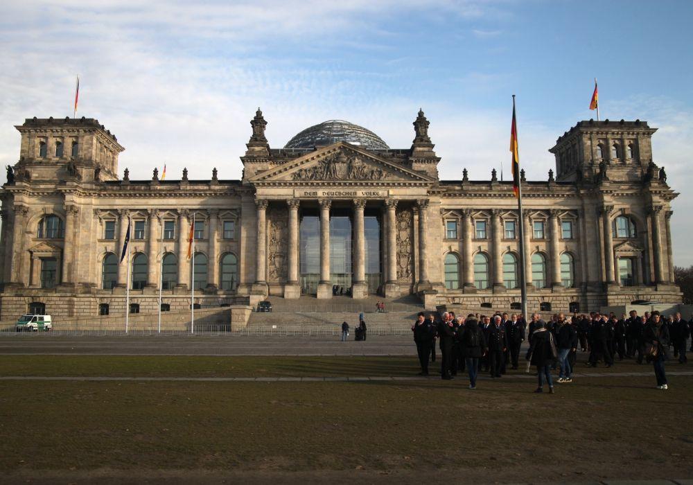 Weg Zur Prasidialdiktatur Erdogan Bundestagsfraktionen Attackieren Turkei Reichstagsgebaude Turkei Deutscher Bundestag