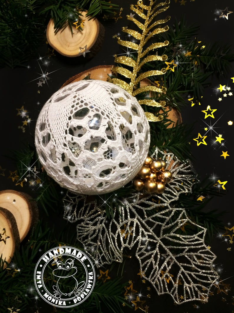 Large Lace Bauble Christmas Tree Decoration White Crochet Ball Etsy In 2020 Christmas Tree Baubles Christmas Tree Decorations Christmas Baubles