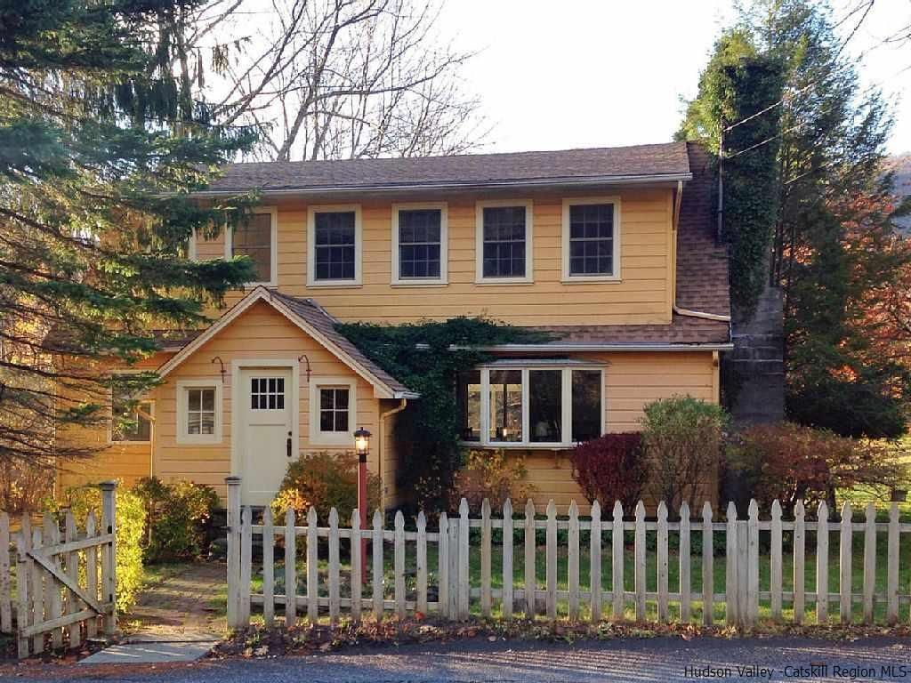 155 Silver Hollow Rd Willow Ny 12495 Mls 20164358 Zillow Farmhouse Remodel House Woodstock