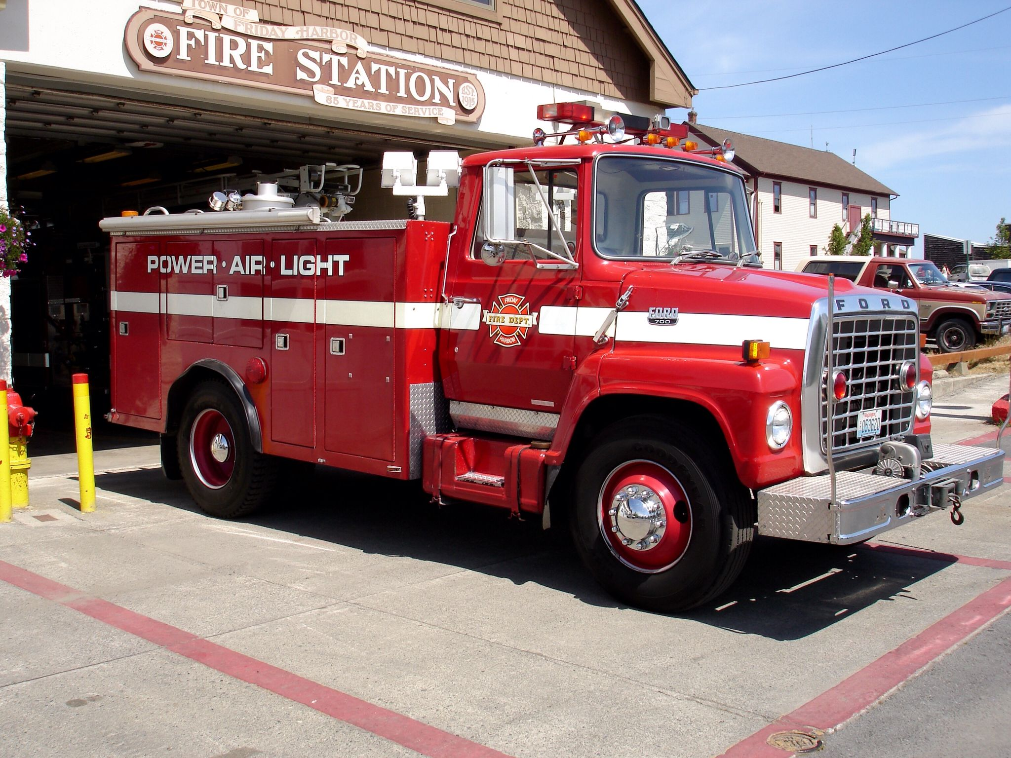 Friday Harbor Fire Department Support 1; 1982 Ford