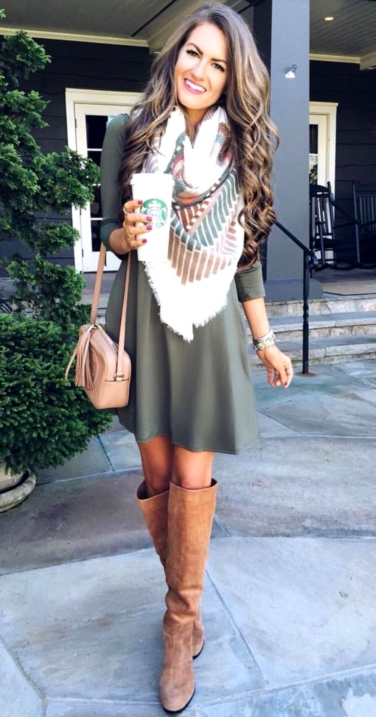 Women's Knee High Boots Street Style Outfits For Fall #falloutfitsformoms