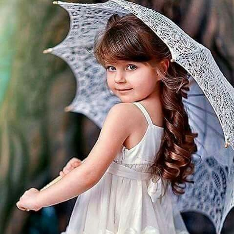 في حياتنا نحتاج الى إبتسامة وإن لم تكن من القلب Flower Girl Dresses Baby Photoshoot Girl Cute Little Girls