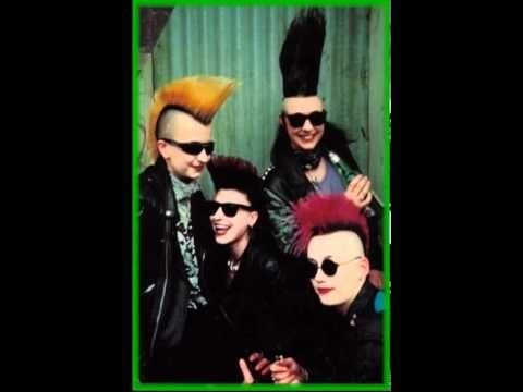 psycho chicks Dypsomaniaxe yes I listen to them so what :D