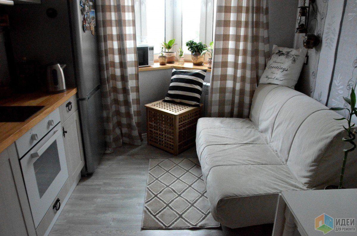 мебельные щиты из сосны, покрытые морилкой и  яхтным лаком.  Смотрите оригинал материала на http://ideas.vdolevke.ru/posts/25543/sero-belo-derevyannoe-kuhnya/
