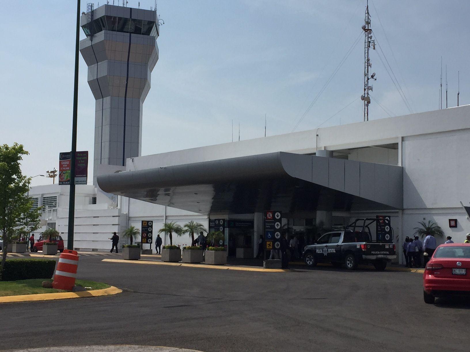 Por mal clima en Texas, United Airlines suspende vuelos del AIQ a ... - Códice Informativo