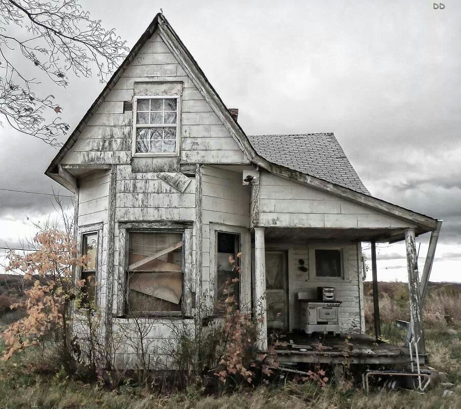 Pin By Rhonda Morrison On Old Houses And Such Abandoned Farm Houses Abandoned Mansions Abandoned Houses