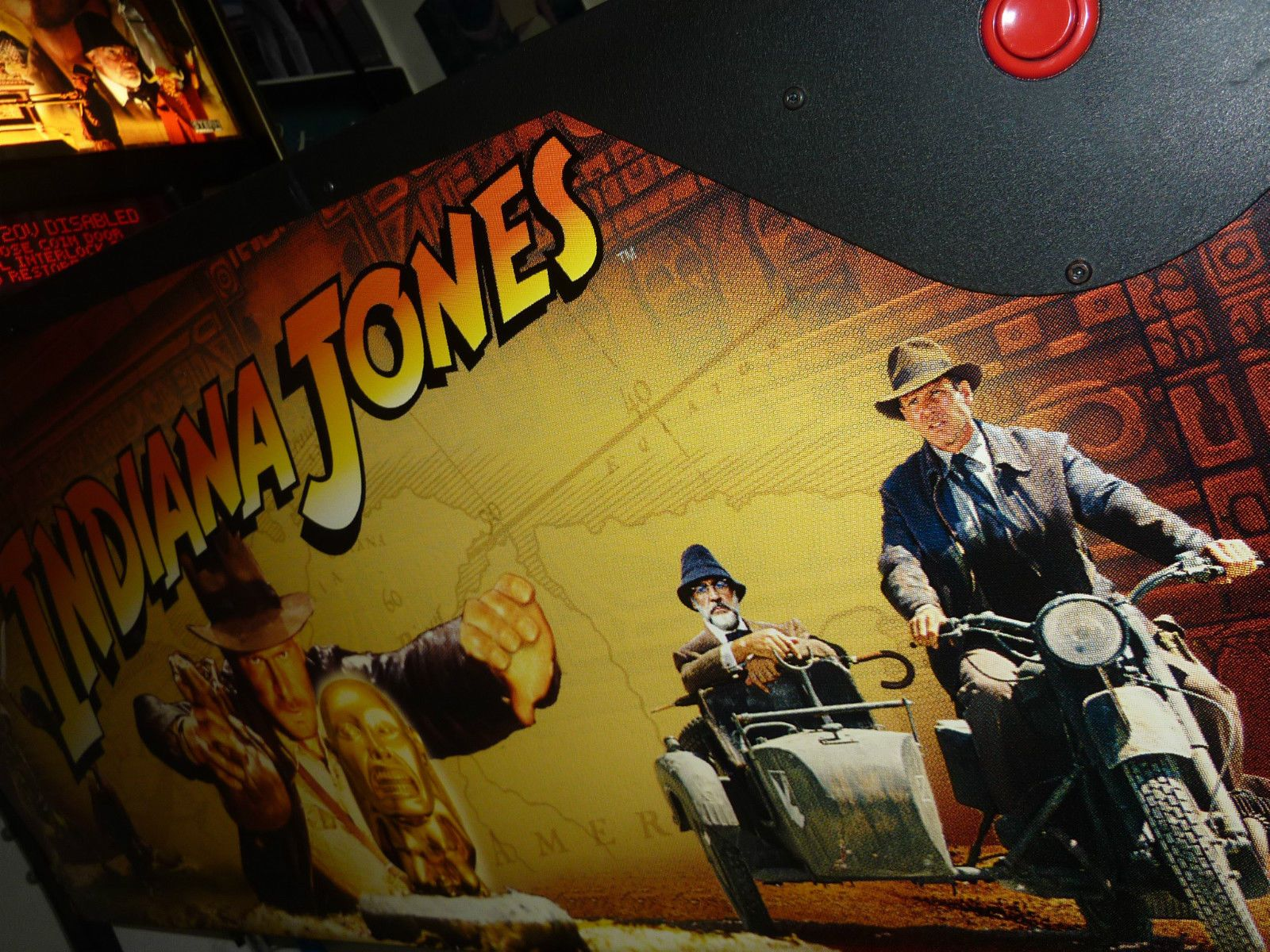 2008 stern indiana jones pinball machine in great conditionays
