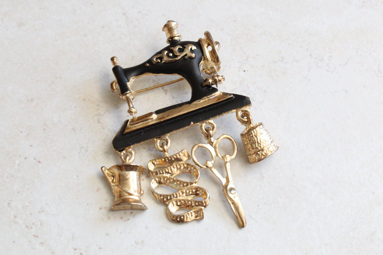 ForU-1 Vintage Sewing Machine Brooches Gold Black Enamel Crystal Pin