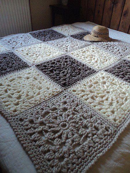Delicadezas en crochet Gabriela: Manta de motivos en dos tonos ...
