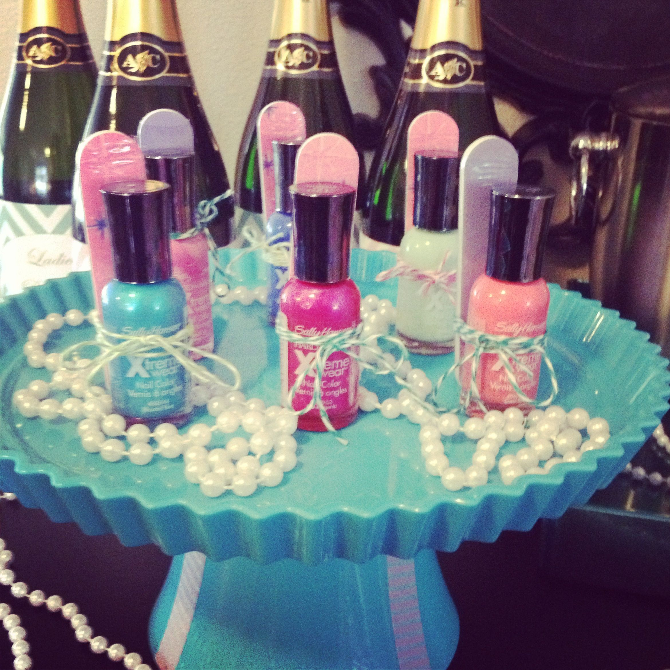 Nail Polish Bottles Fun Sleepover Games And Sleepover: Ideas Para Fiestas/Party Ideas