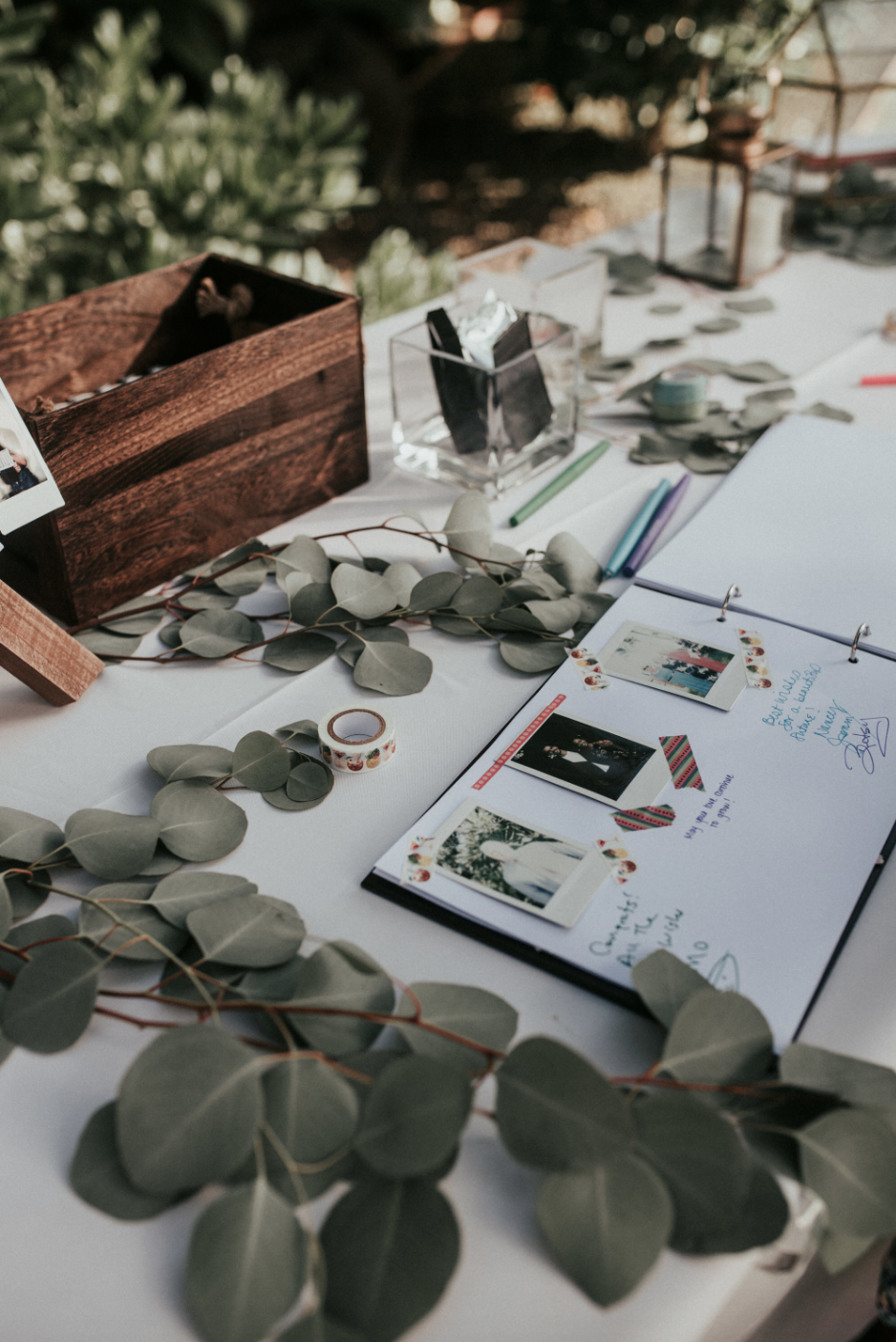 Polaroid Guest Book Welcome Table In 2019 Wedding Guest Book Table Guest Book Table Polaroid Guest Book